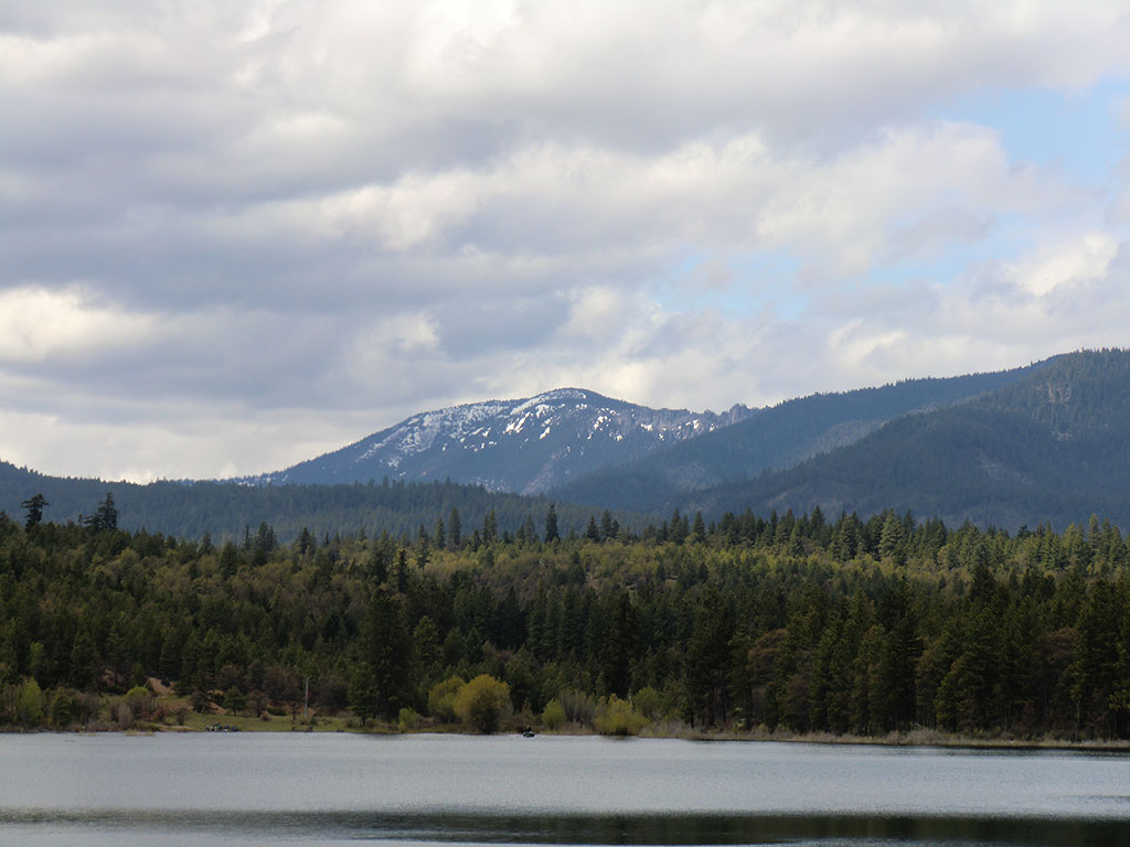 Rock Creek Reservoir with Lookout Mountain in the Background