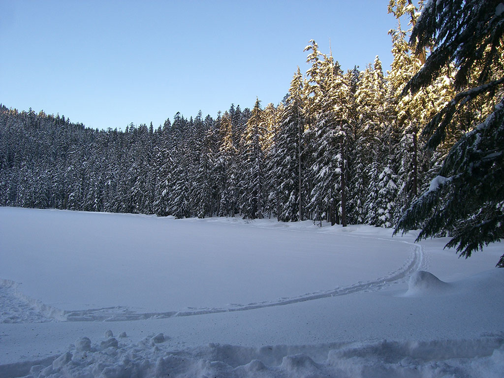 Sunrise in the Snow at Lower Twin Lake, Oregon