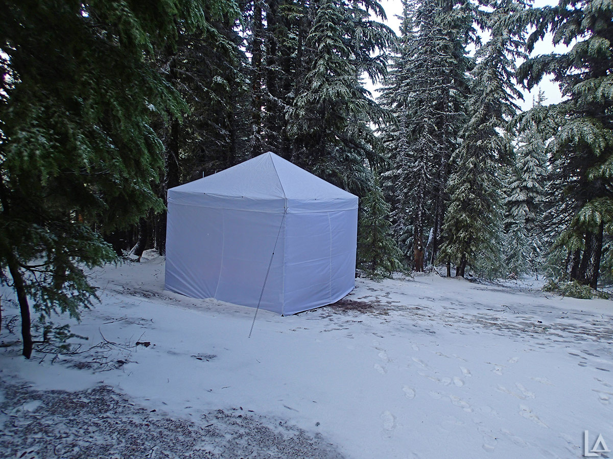Hot tent with wood stove