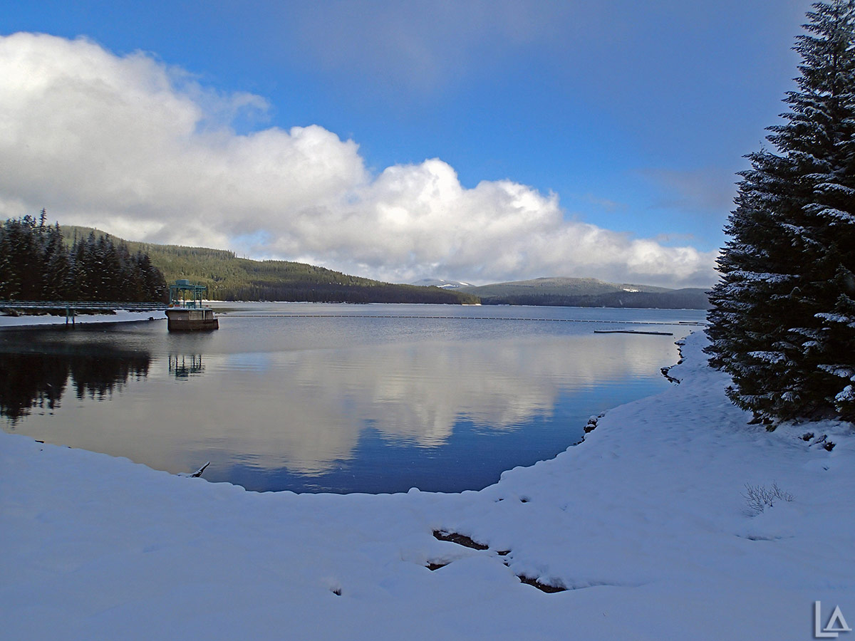 Timothy Lake in the winter