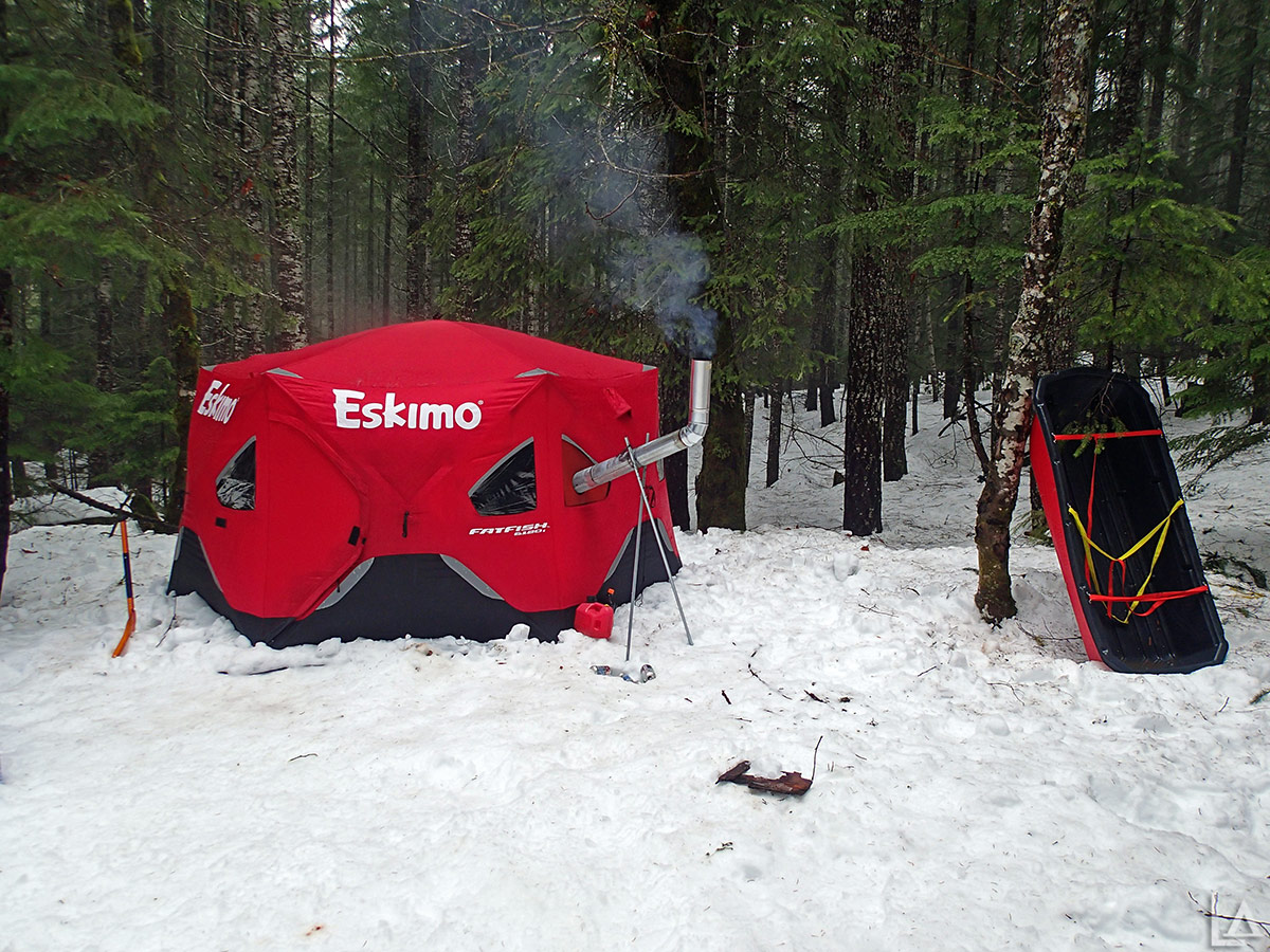Hot tent camping in Eskimo FatFish 6120i