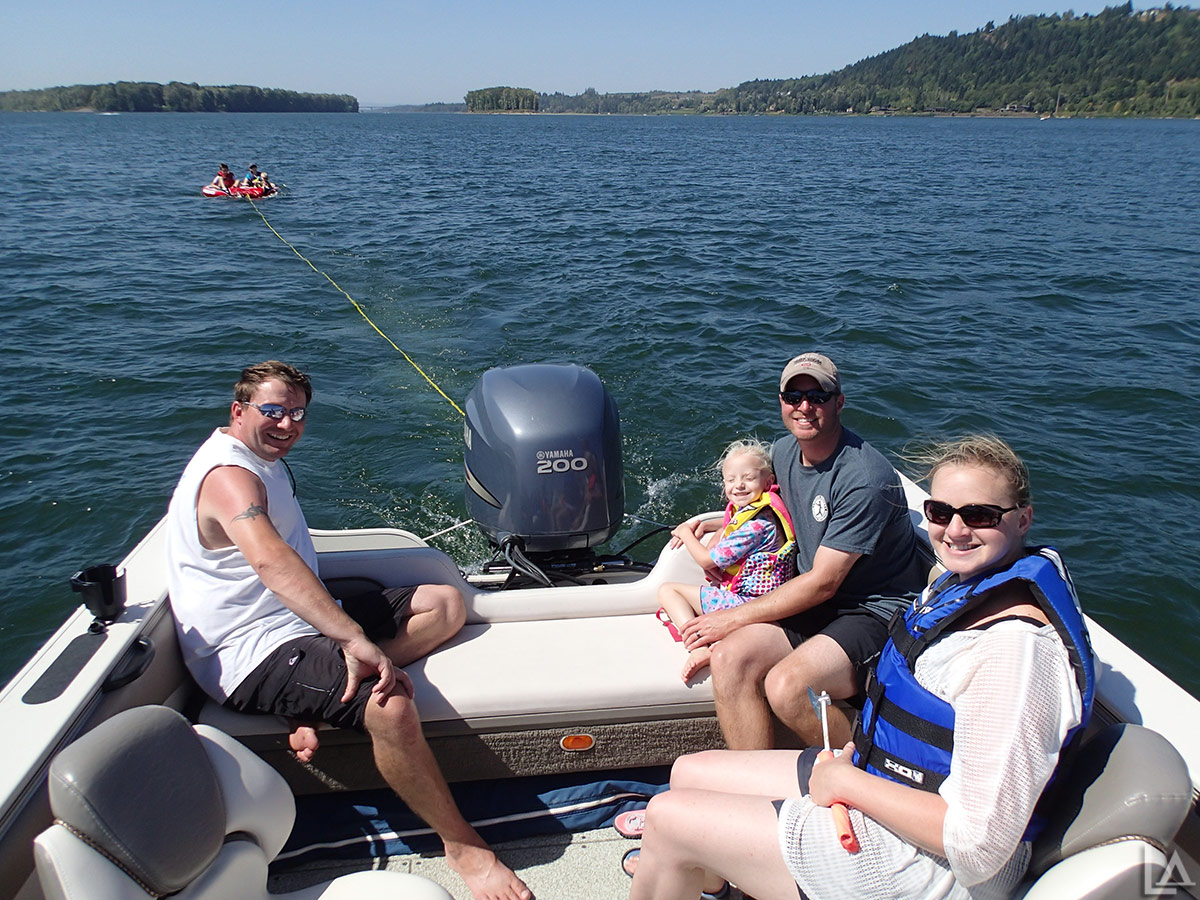 Everyone having fun out on the Columbia River